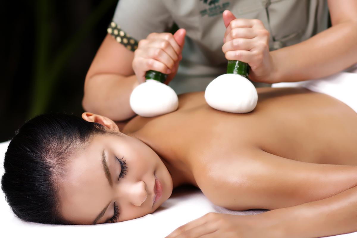 โอเอซิส สปา Oasis Spa Sukhumvit 51  โอเอซิส สปา Oasis Spa Sukhumvit 51 ผ่อนคลาย สบายตัว Oasis Spa King of Oasis Signature Massage
