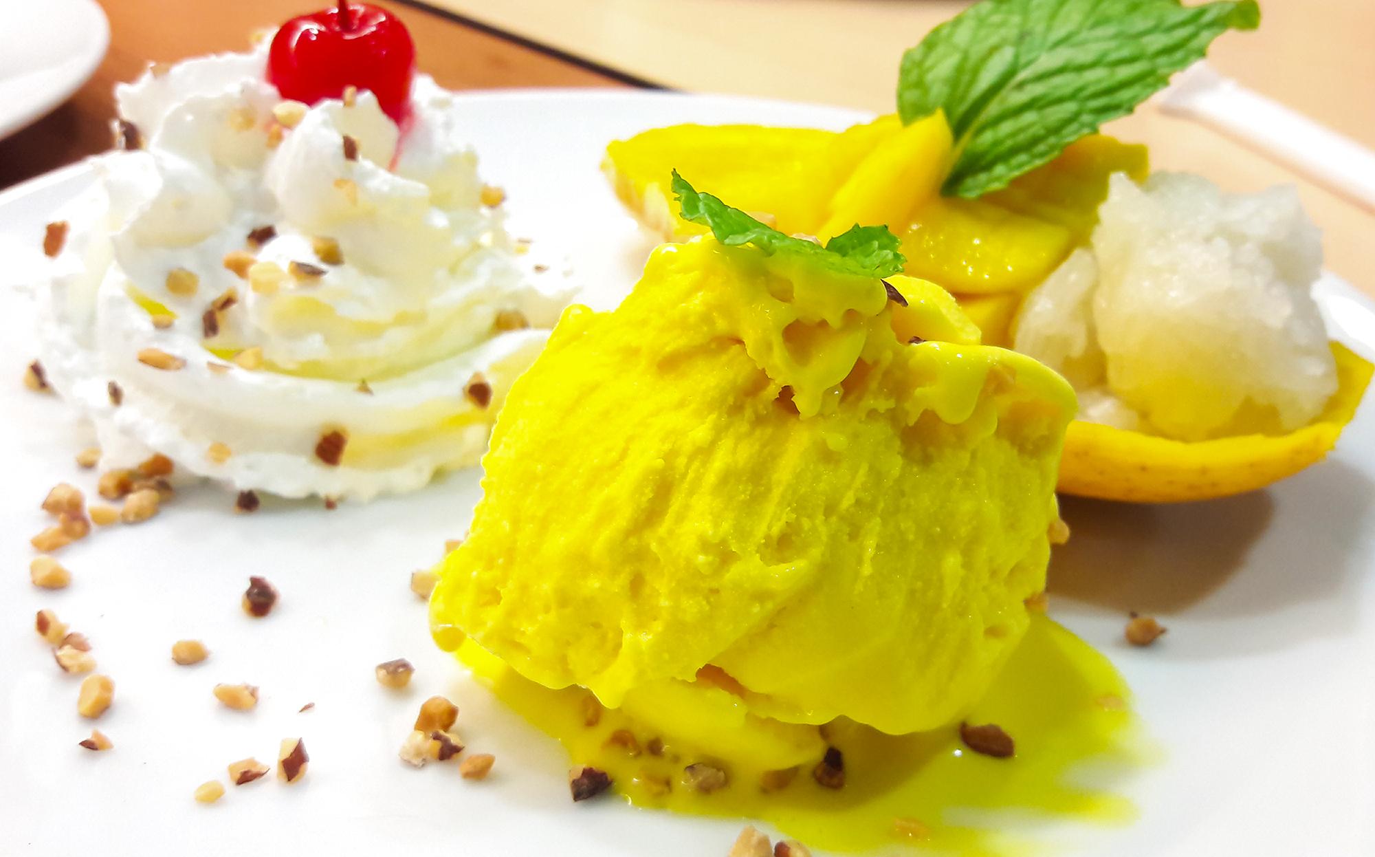 ข้าวเหนียวมะม่วงและไอศกรีม  Thai Chef Express ท่าอากาศยานสุวรรณภูมิ 20160310 164624