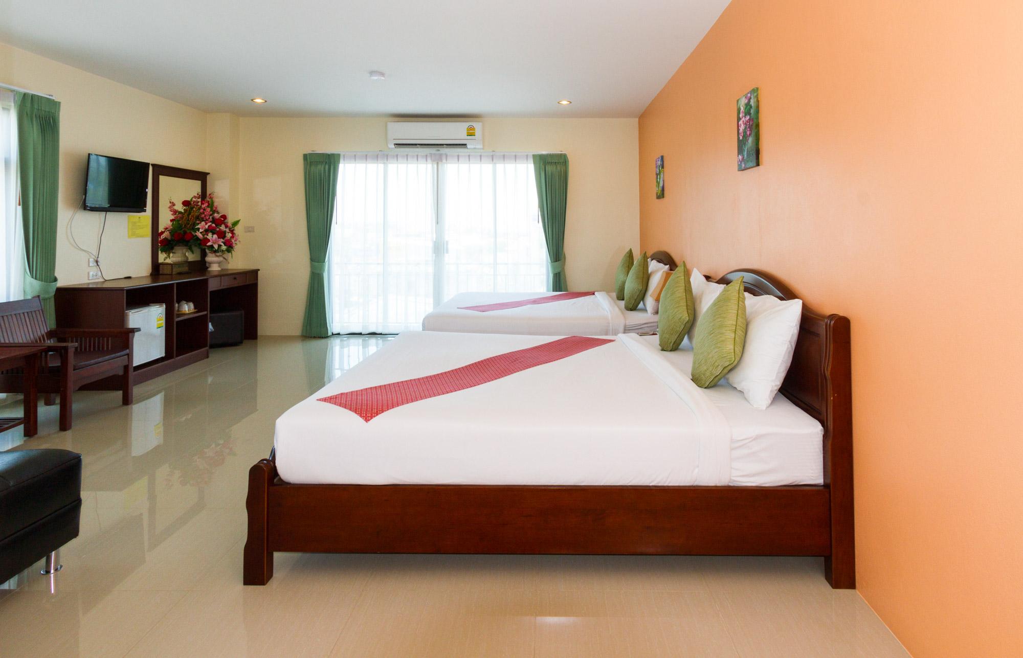 โรงแรมกระบี่เพชรไพลิน เมืองกระบี่  โรงแรมกระบี่เพชรไพลิน โฮเทล (Krabi Phetpailin Hotel) Halal IMG 0133