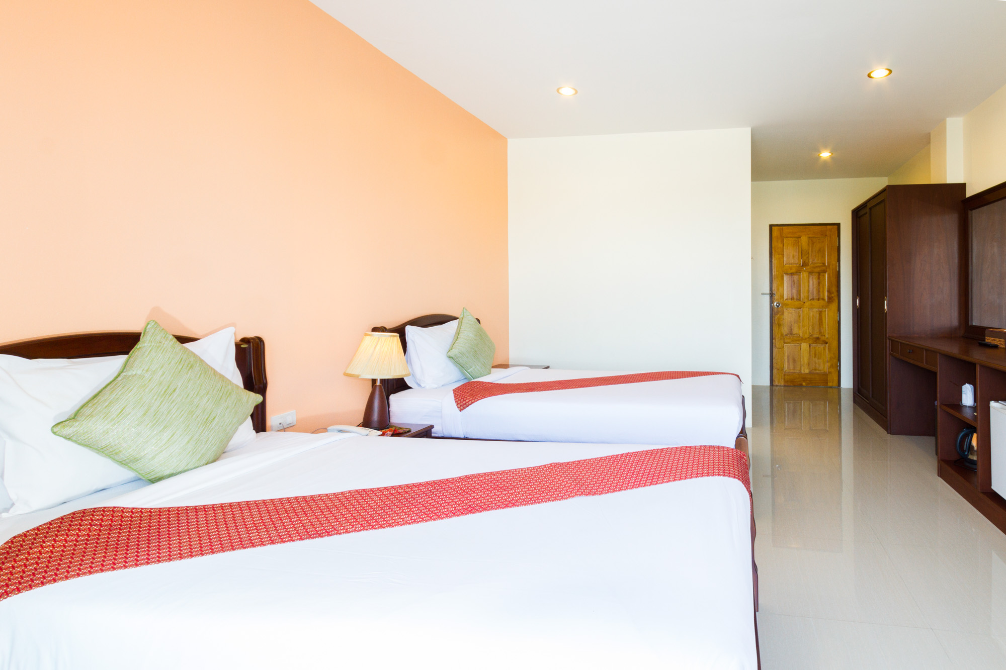โรงแรมกระบี่เพชรไพลิน เมืองกระบี่  โรงแรมกระบี่เพชรไพลิน โฮเทล (Krabi Phetpailin Hotel) Halal IMG 0184