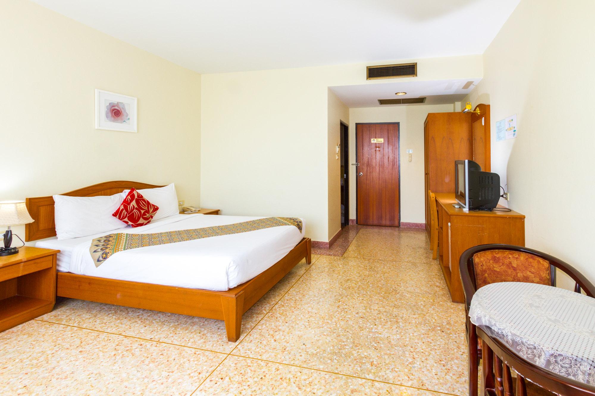 โรงแรมกระบี่เพชรไพลิน เมืองกระบี่  โรงแรมกระบี่เพชรไพลิน โฮเทล (Krabi Phetpailin Hotel) Halal IMG 0191