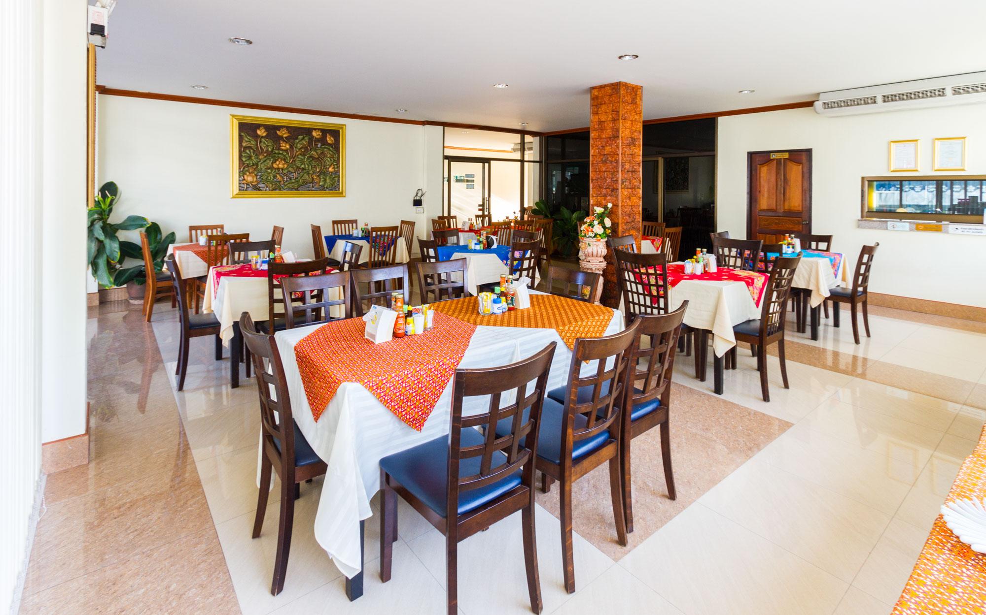 โรงแรมกระบี่เพชรไพลิน เมืองกระบี่  โรงแรมกระบี่เพชรไพลิน โฮเทล (Krabi Phetpailin Hotel) Halal IMG 0203