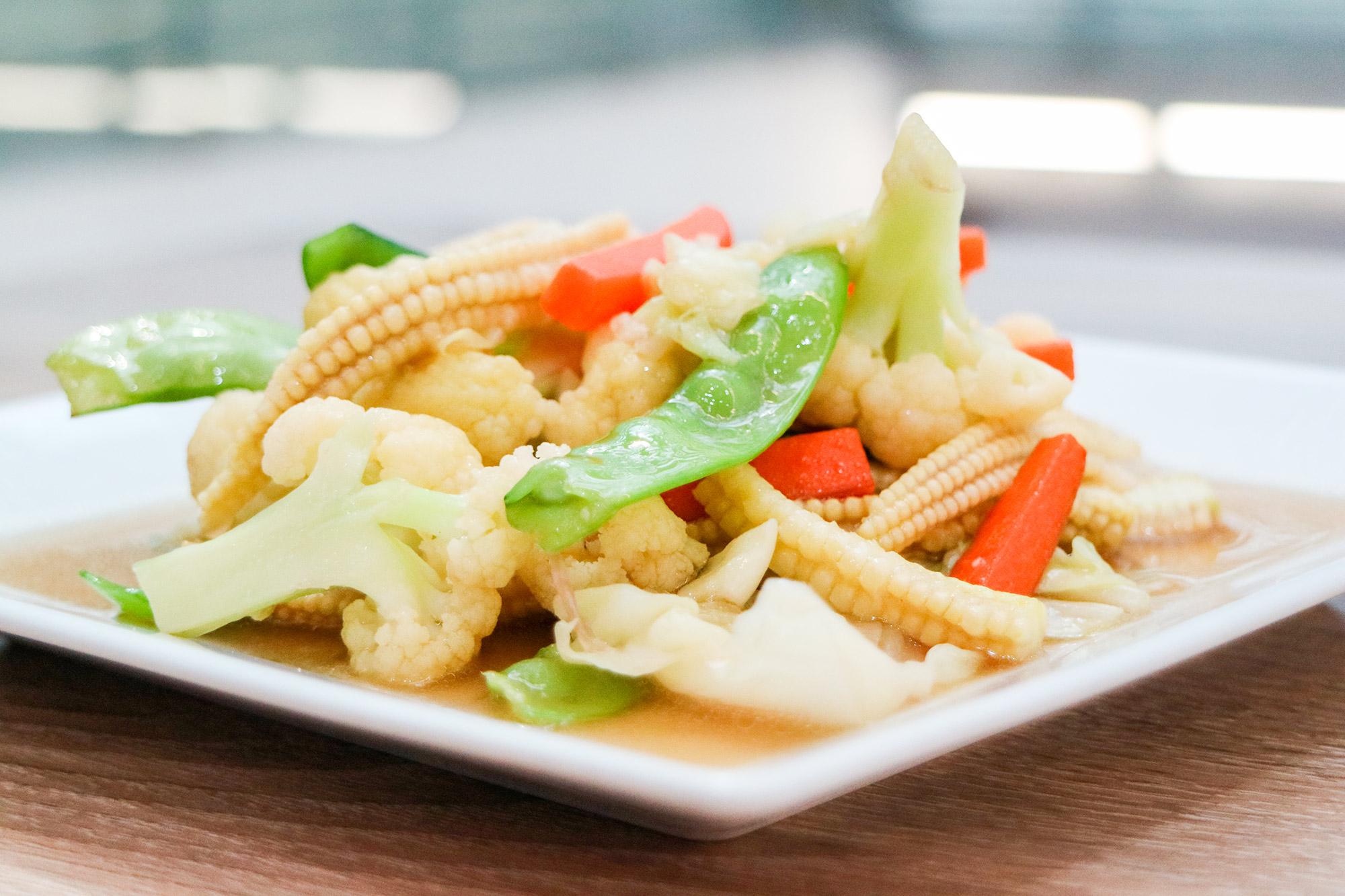 ผัดผักรวม  Spawn อาหารไทย-ญี่ปุ่น ท่าอากาศยานสุวรรณภูมิ IMG 1467
