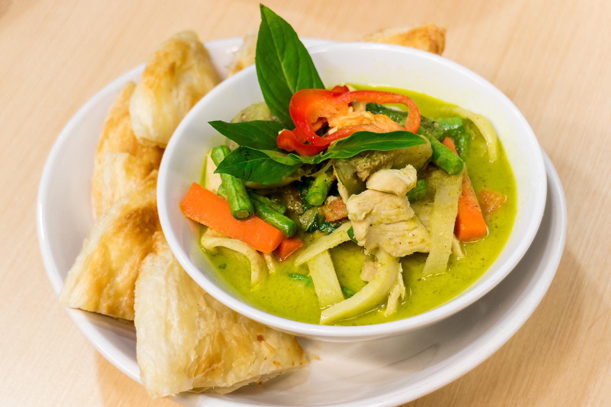 โรตีแกงเขียวหวานไก่  Thai Chef Express ท่าอากาศยานสุวรรณภูมิ IMG 1488