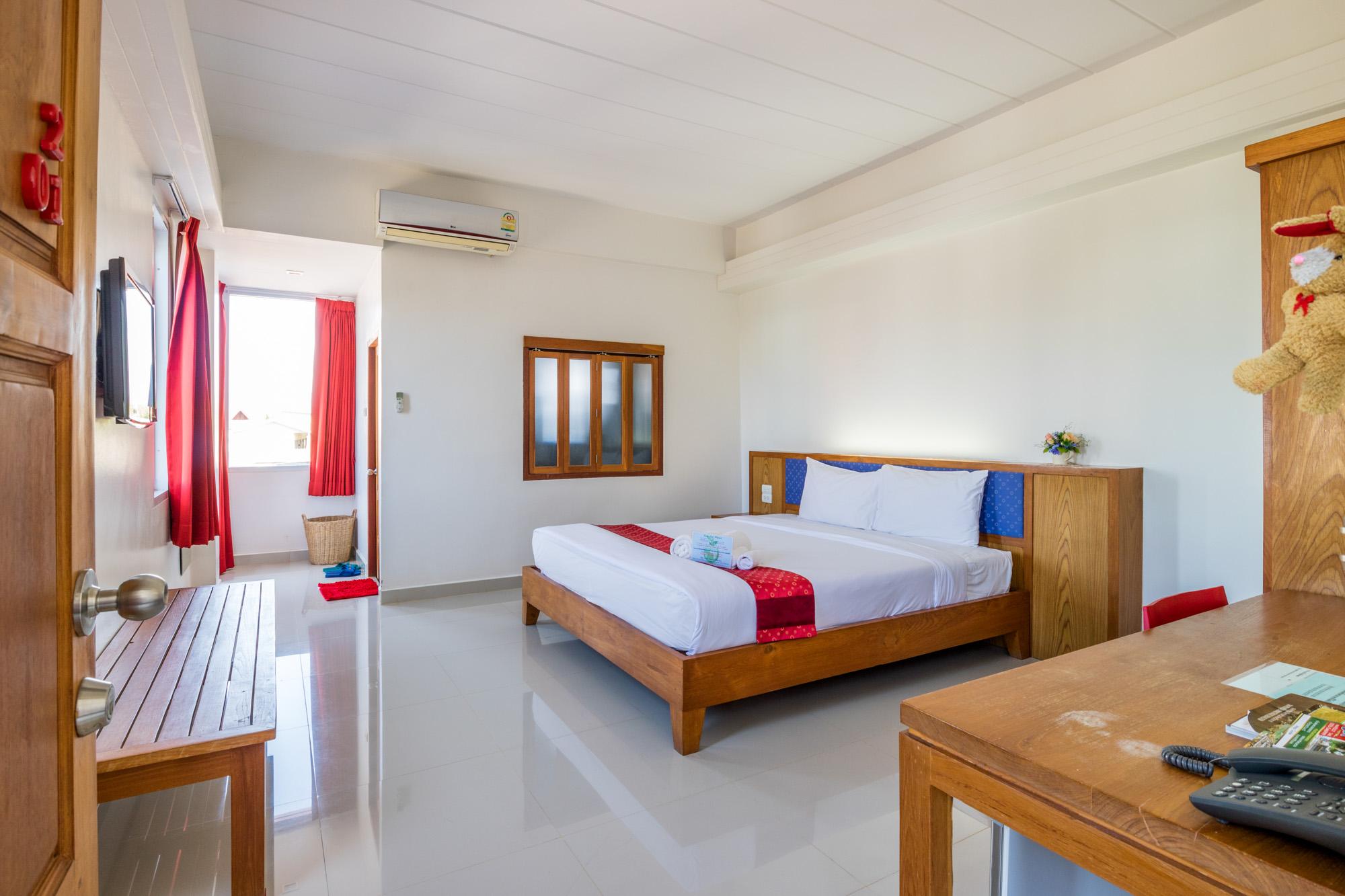J2 Hotel แม่สอด  J2 HOTEL MAESOT สวยงาม โดดเด่นมีเอกลักษณ์ IMG 3650