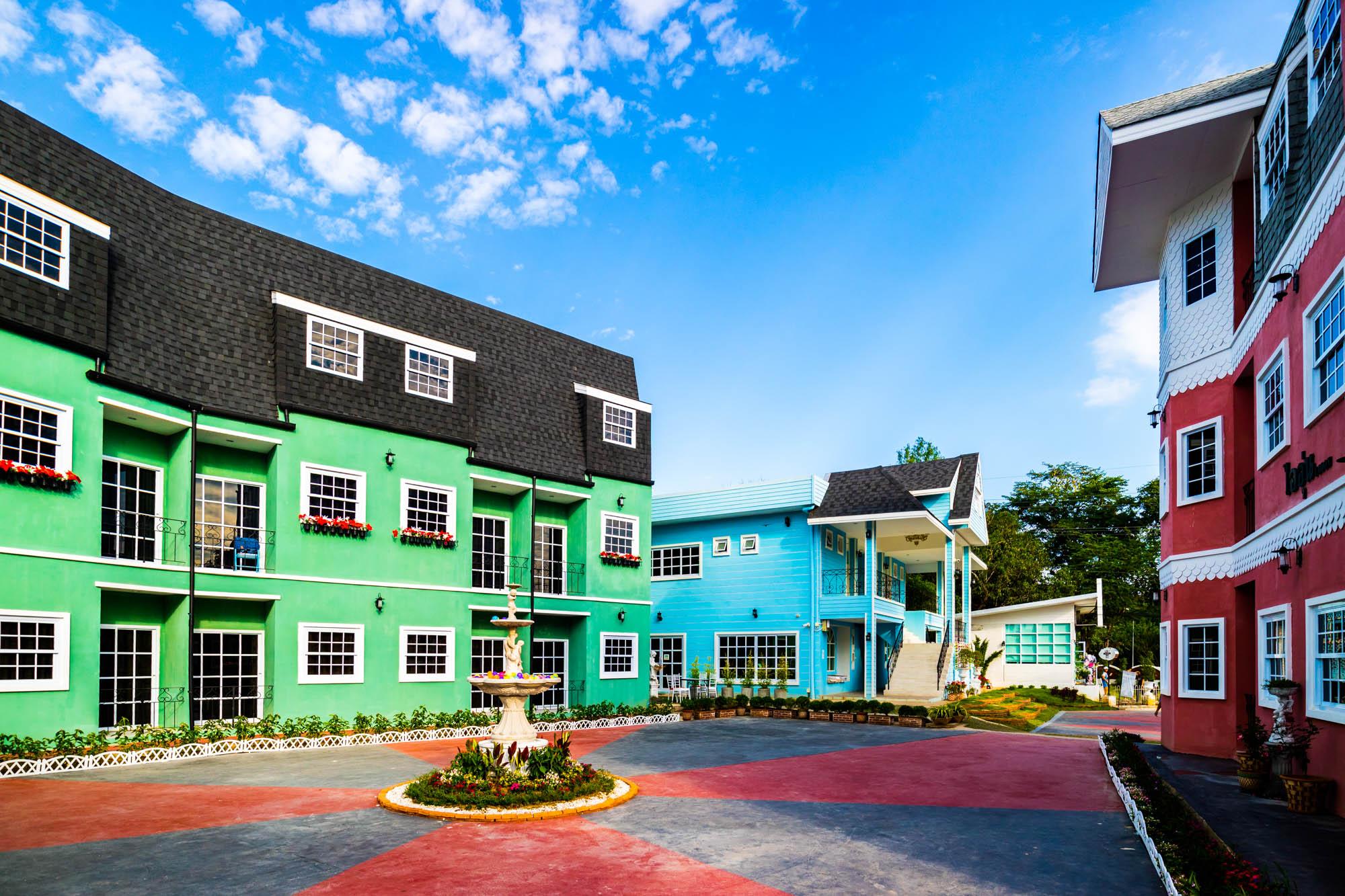 อาคารถนอม ณ บ้านแม่ รีสอร์ท ลำปาง  ณ บ้านแม่ รีสอร์ท Nabaanmae resort ลำปาง งามสไตล์ยุโรป IMG 3827