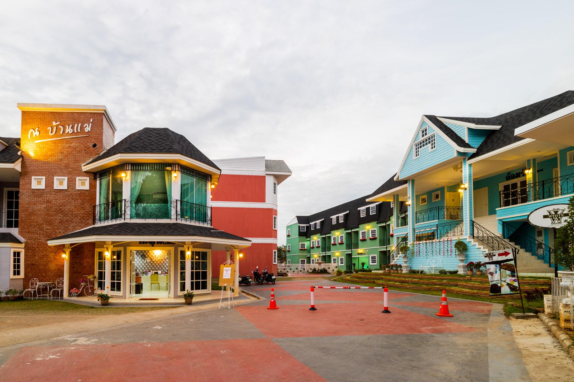 ณ บ้านแม่ รีสอร์ท Nabaanmae resort ลำปาง  ณ บ้านแม่ รีสอร์ท Nabaanmae resort ลำปาง งามสไตล์ยุโรป IMG 3855