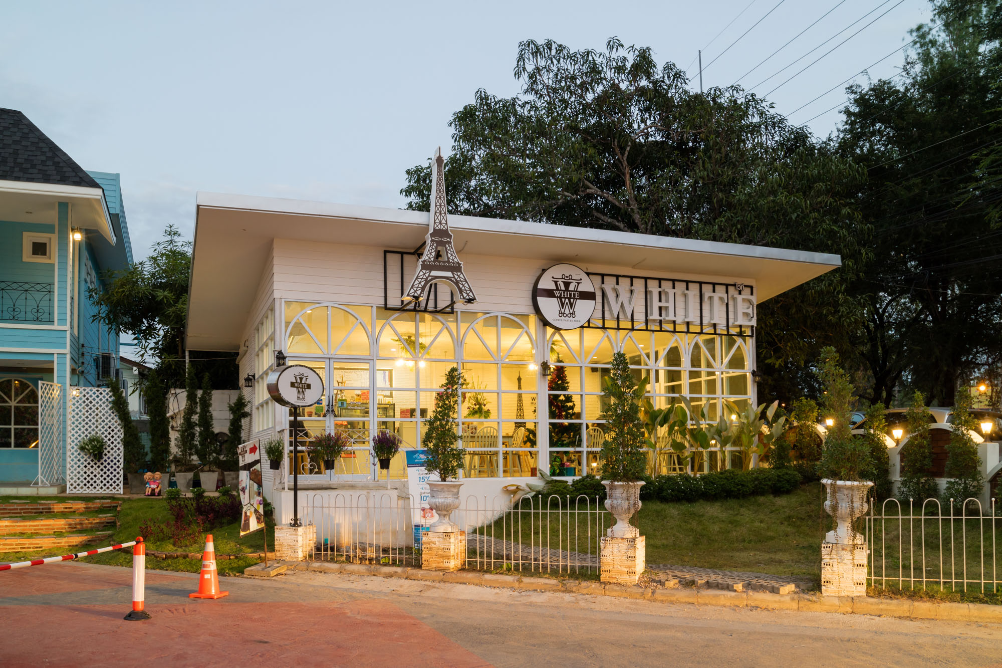 White Coffee ณ บ้านแม่ รีสอร์ท ลำปาง  ณ บ้านแม่ รีสอร์ท Nabaanmae resort ลำปาง งามสไตล์ยุโรป IMG 3860