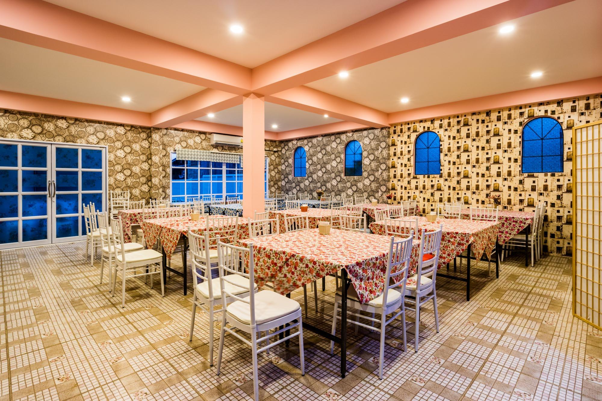 โรงแรม อาคารถนอม ณ บ้านแม่ รีสอร์ท ลำปาง  ณ บ้านแม่ รีสอร์ท Nabaanmae resort ลำปาง งามสไตล์ยุโรป IMG 3885