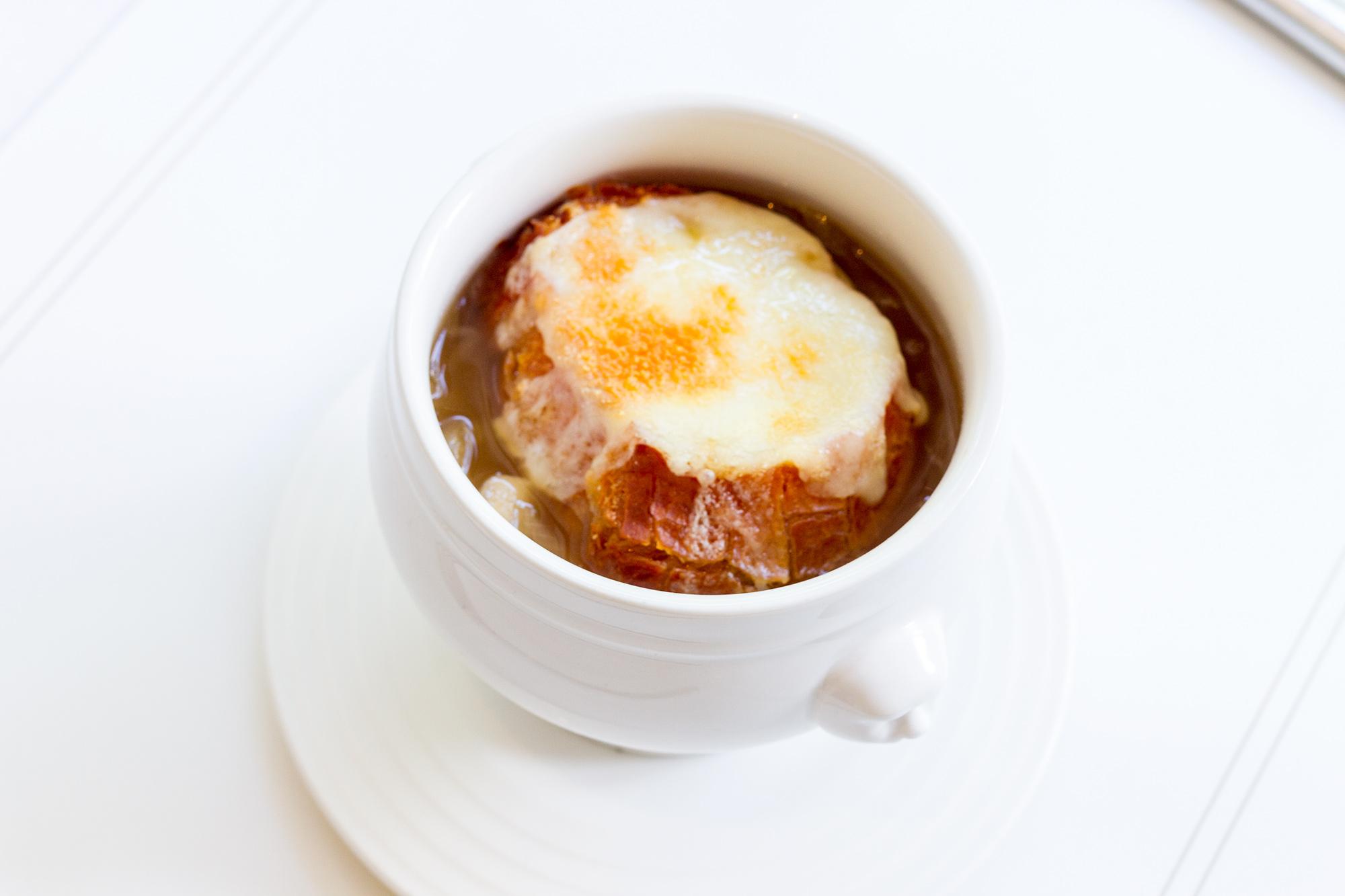 Onion soup  Cafe Claire คาเฟ่แคลร์ โรงแรมโอเรียนเต็ล เรสซิเดนซ์ กรุงเทพฯ Onion soup