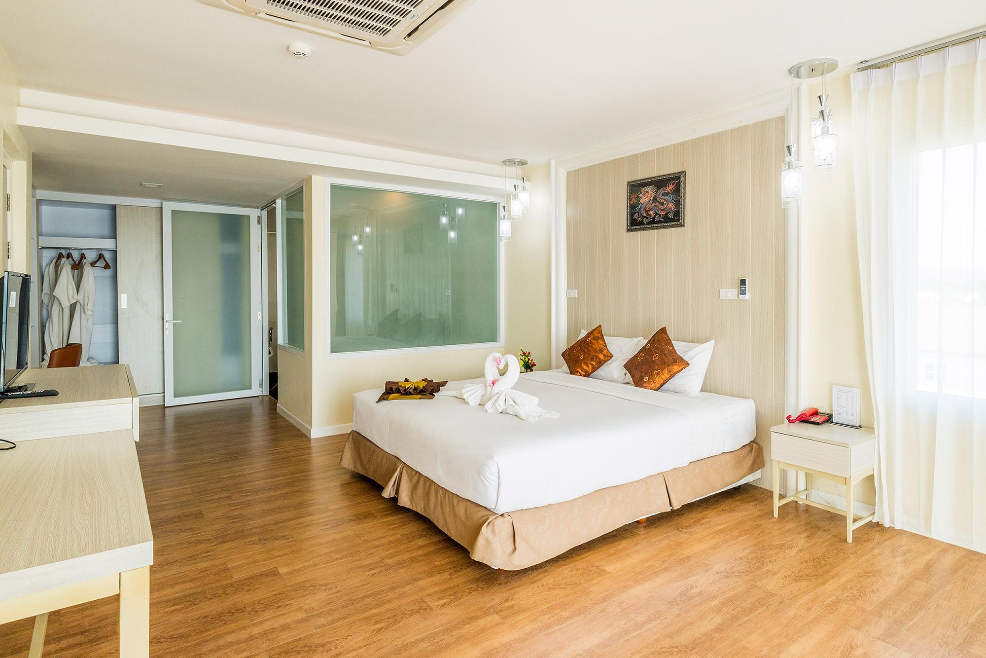 Saint Tropez Beach Resort Hotel ห้องเอ็กเซ็กคูทีฟสวีท  โรงแรม เซนต์ โทรเปซ บีช รีสอร์ท โฮเทล จันทบุรี สวยติดหาด อ่าวคุ้งกระเบน IMG 5803