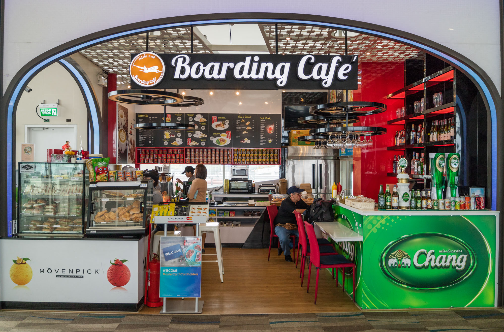 Boarding Café Phuket  ร้านอาหารแนะนำ ในอาคารผู้โดยสารขาออกระหว่างประเทศ ท่าอากาศยานภูเก็ต IMG 8185