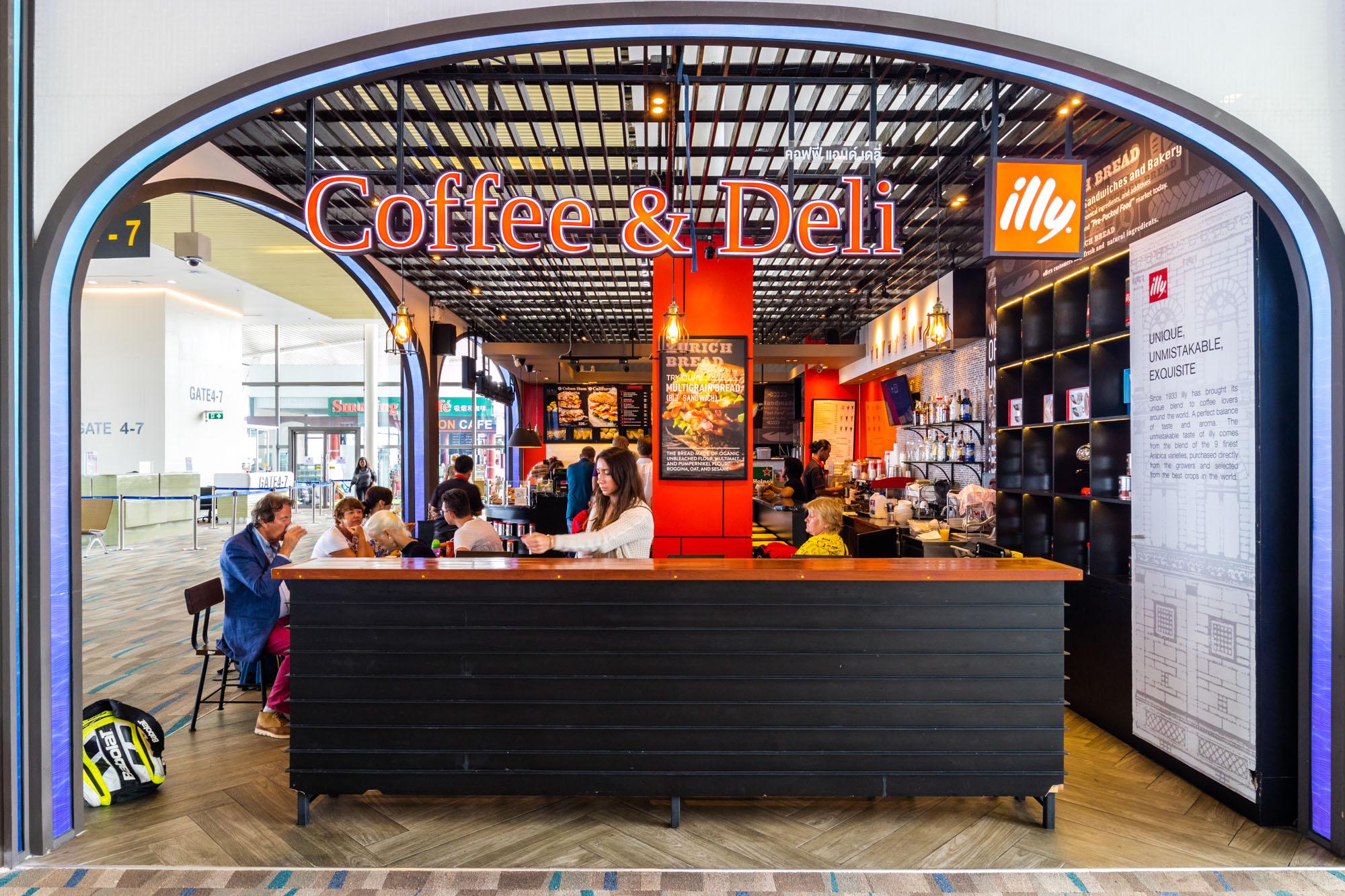 Coffee & Deli  ร้านอาหารแนะนำ ในอาคารผู้โดยสารขาออกระหว่างประเทศ ท่าอากาศยานภูเก็ต IMG 8212