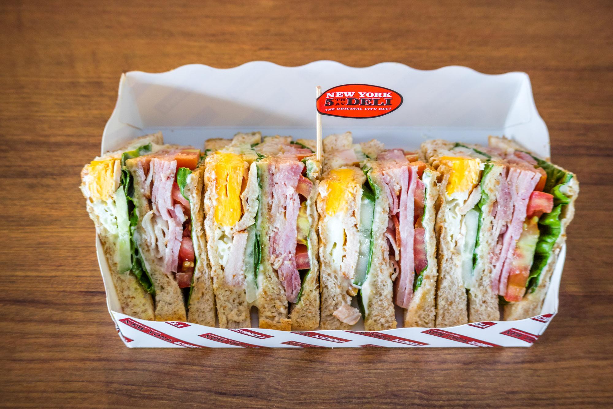 NYD Club Sandwich  ร้านอาหารแนะนำ ในอาคารผู้โดยสารขาออกระหว่างประเทศ ท่าอากาศยานภูเก็ต IMG 8289