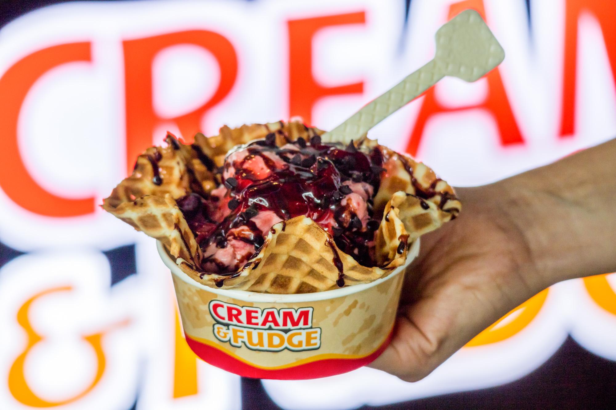 Chocolate Strawberry Heaven  ร้านอาหารแนะนำ ในอาคารผู้โดยสารขาออกระหว่างประเทศ ท่าอากาศยานภูเก็ต IMG 8313