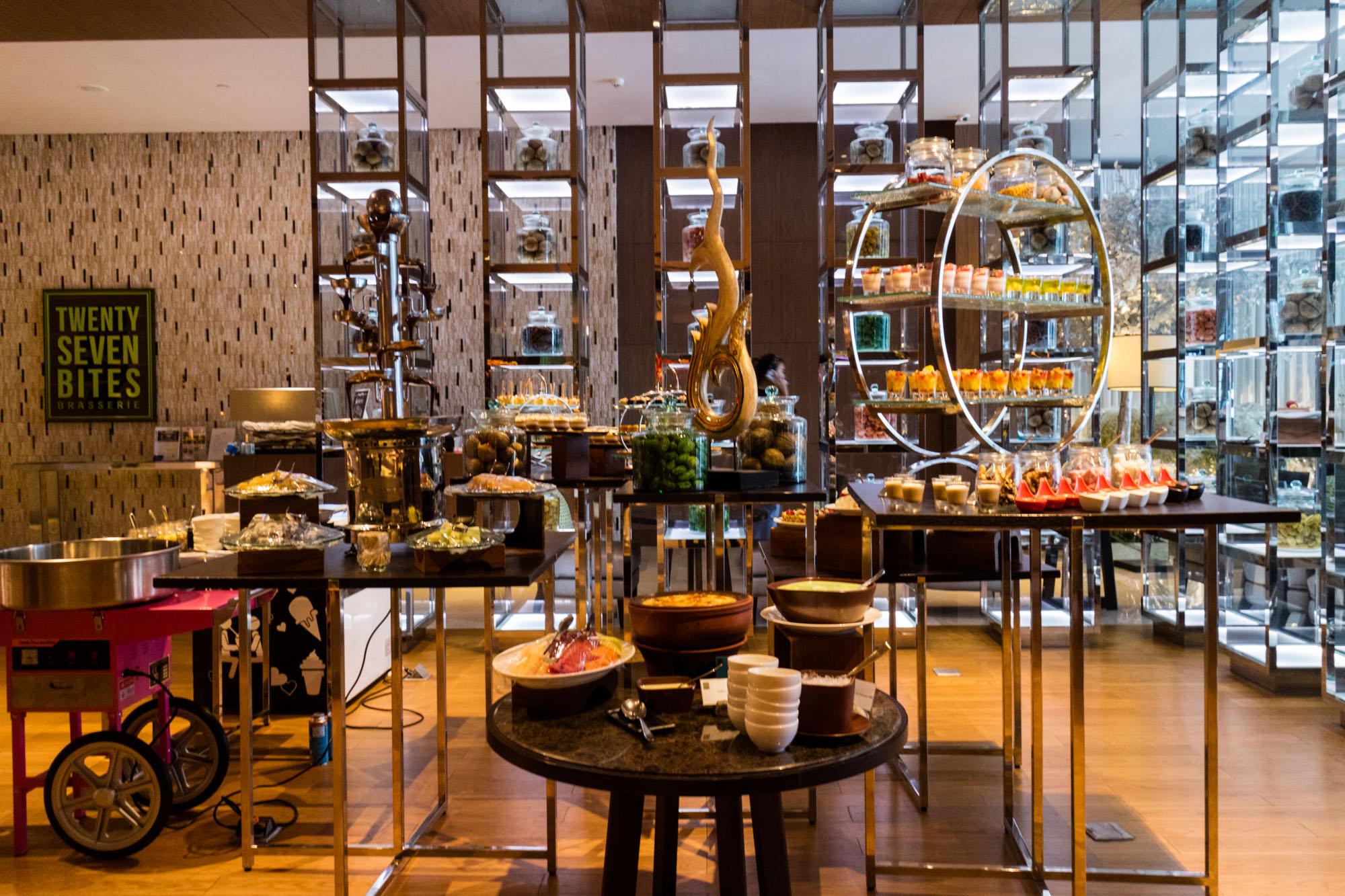 บุฟเฟ่ต์ Big Blu Sunday Brunch ห้องอาหาร Twenty-Seven Bites โรงแรม Radisson Blu Plaza Bangkok  บุฟเฟ่ต์ Big Blu Sunday Brunch ห้องอาหาร Twenty-Seven Bites โรงแรม Radisson Blu Plaza Bangkok IMG 6099