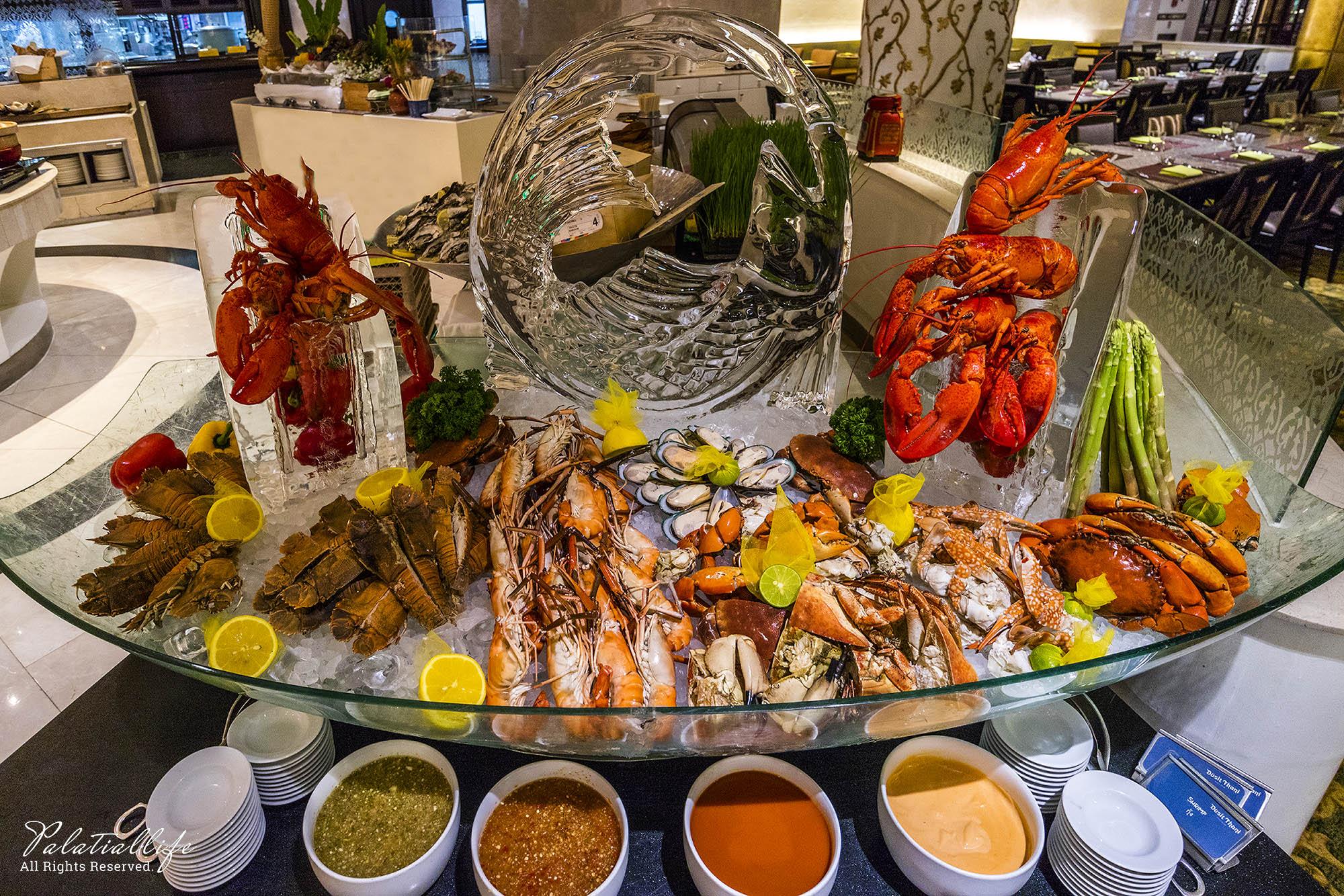 ห้องอาหาร The Pavilion โรงแรมดุสิตธานี กรุงเทพ  ห้องอาหาร The Pavilion โรงแรมดุสิตธานี กรุงเทพ ฯ บุฟเฟ่ต์ซีฟู้ดส์ ค่ำวันศุกร์-เสาร์ สุดอลัง IMG 0015