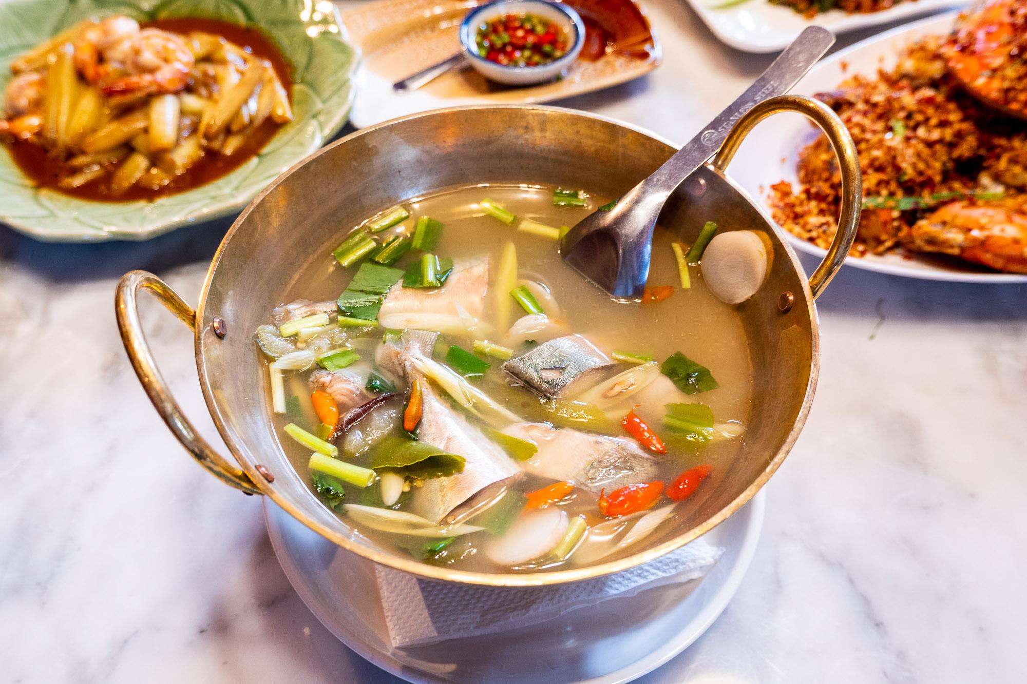 ปลาทูต้มมะดัน  อำแดงไต้ฝุ่น อาหารไทยโบราณรสเลิศ  สุขุมวิท 32 DSCF0146