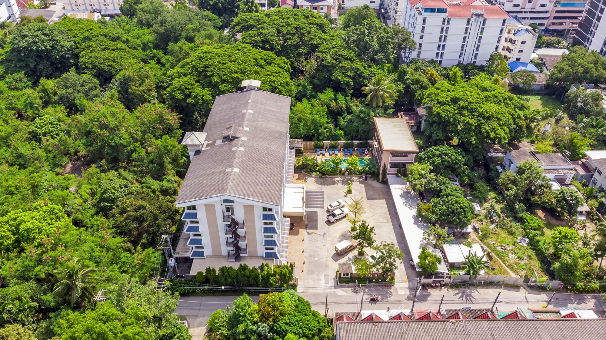 โรงแรมสกุลชัย เพลส โรงแรมฮาลาล เชียงใหม่  โรงแรมสกุลชัย เพลส เชียงใหม่ ห้องพักสะอาด ราคาหลักร้อย DJI 0523